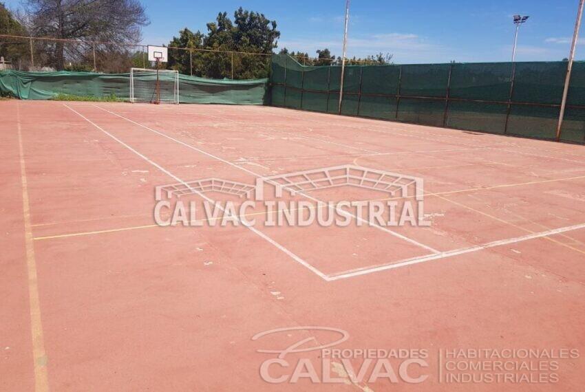 Se-vende-Complejo-Deportivo-Tenis-en-Penaflor-1